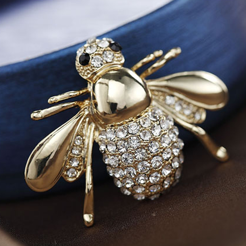 Fashion Lovely Bee Shape Rhinestones Suit Collar Silver/Gold Alloy Pin Brooch for Female Christmas Gift(China (Mainland))