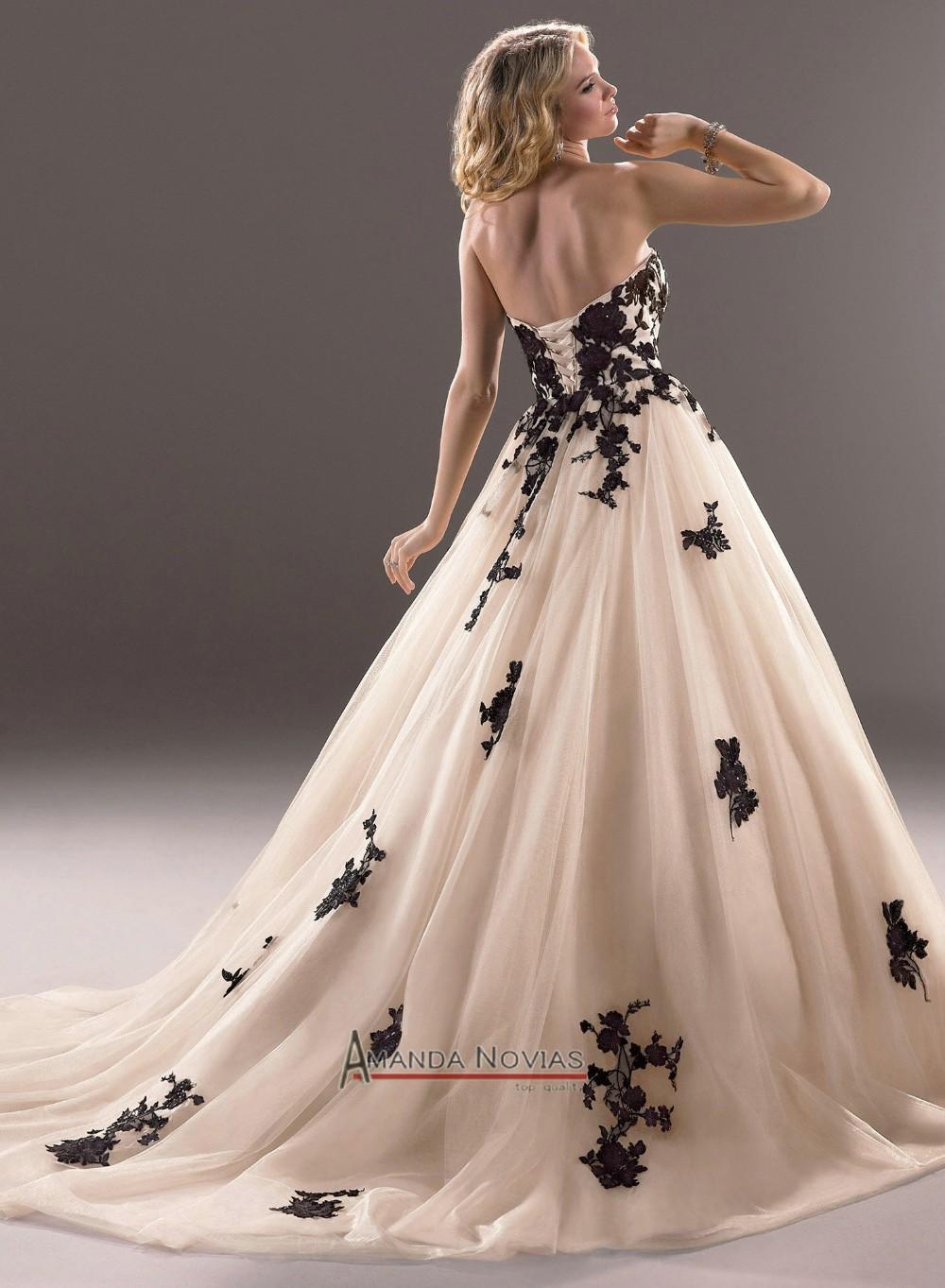 Blanco vestido de novia Negro