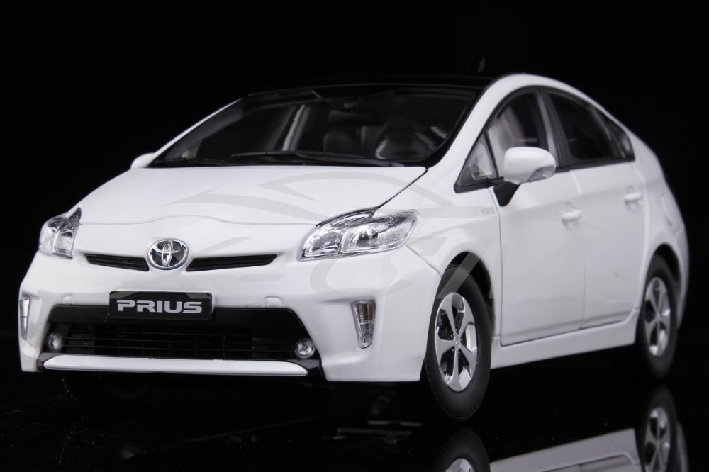 Diecast Car Model Toyota Prius 1:18 (White) + SMALL GIFT!!!!!(China (Mainland))