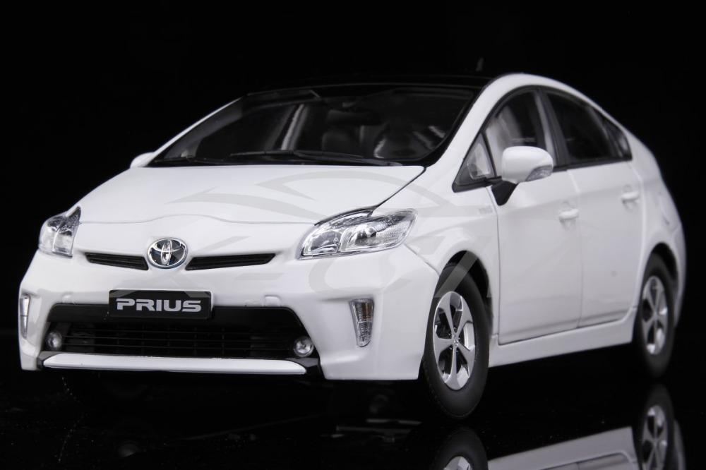 Diecast Car Model Toyota Prius 1:18 (White) + SMALL GIFT!!!!!(China (Mainland))