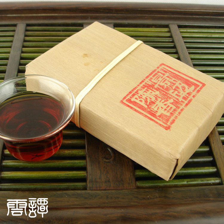 2005 year organic Yunnan puer tea puer brick Old Tea Tree Materials brick Pu erh pu er tea 100g Ripe Tuocha for health care cheap