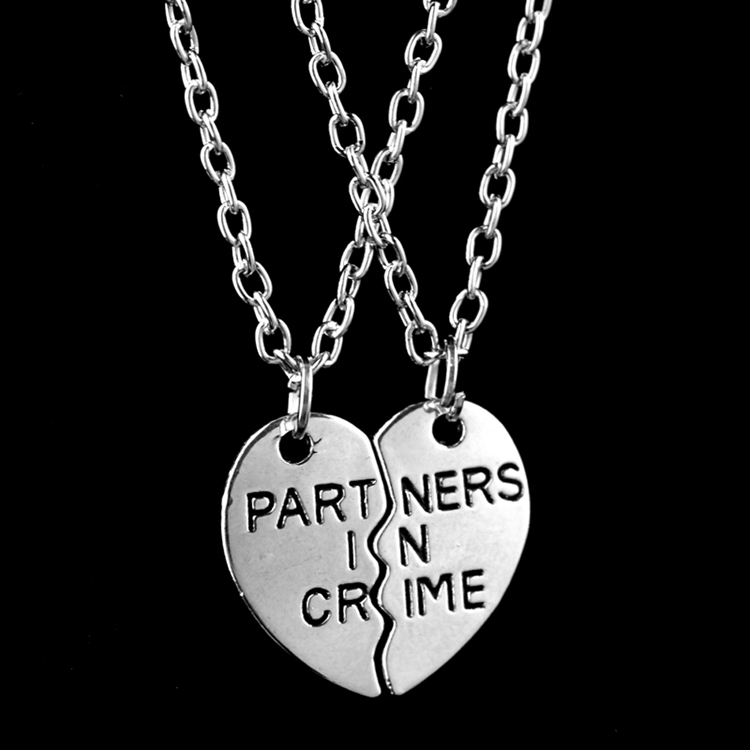 2016 New Brand Celebrity Best Friend Necklace 2 Parts Broken Heart Partners In Crime Necklaces & Pendants For Girlfriends Gifts(China (Mainland))
