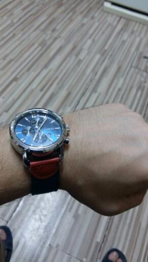 хорошие часы очень стильно и дорого смотрятся!!!