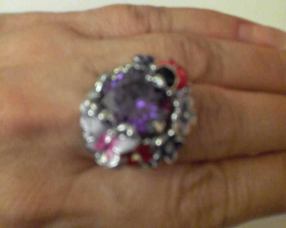 кольцо дивное,очень нравится. доставка 30 дней.спасибо продавцу,товар рекомендую.