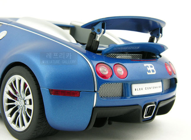 118 bugatti eb veyron 18. Black Bedroom Furniture Sets. Home Design Ideas