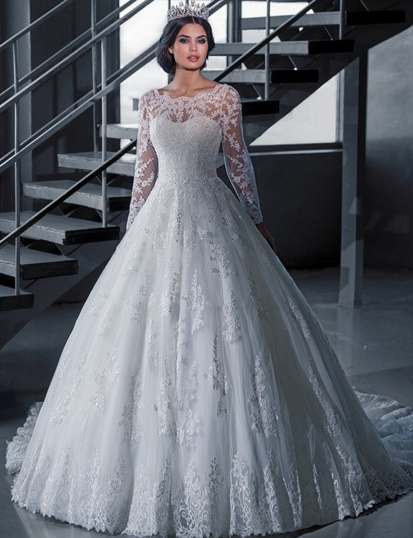Plus Size Mature Wedding Dresses. Stunning Plus Size Mature Wedding ...