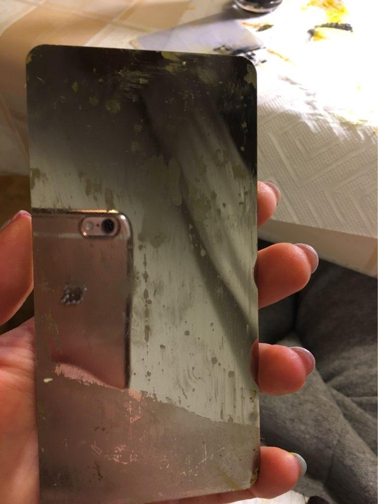 Пластина норм, но вот сзади когда оторвала до конца пленку (она была наполовину приклеена) осталась липкость, которая не оттирается. Минус китайских пластин - они очень острые, без какой-либо защиты. Порезала палец, пока терла (
